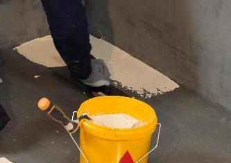 Solution SIKA pour l'étanchéité sous carrelage revêtement pour pièces humides